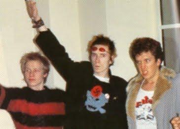 Esvasticas y Punk: el shock