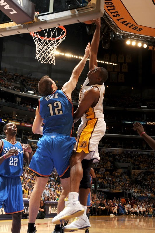2010 NBA Playoffs: Andrew Bynum Dunks On Nenad Krstic