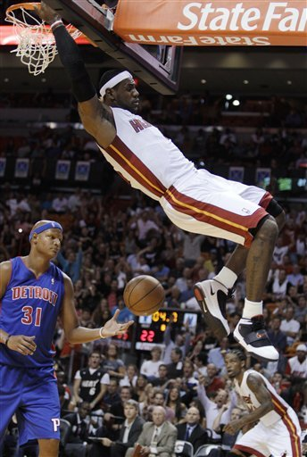 lebron james dunk 2010. Lebron spins in the lane and