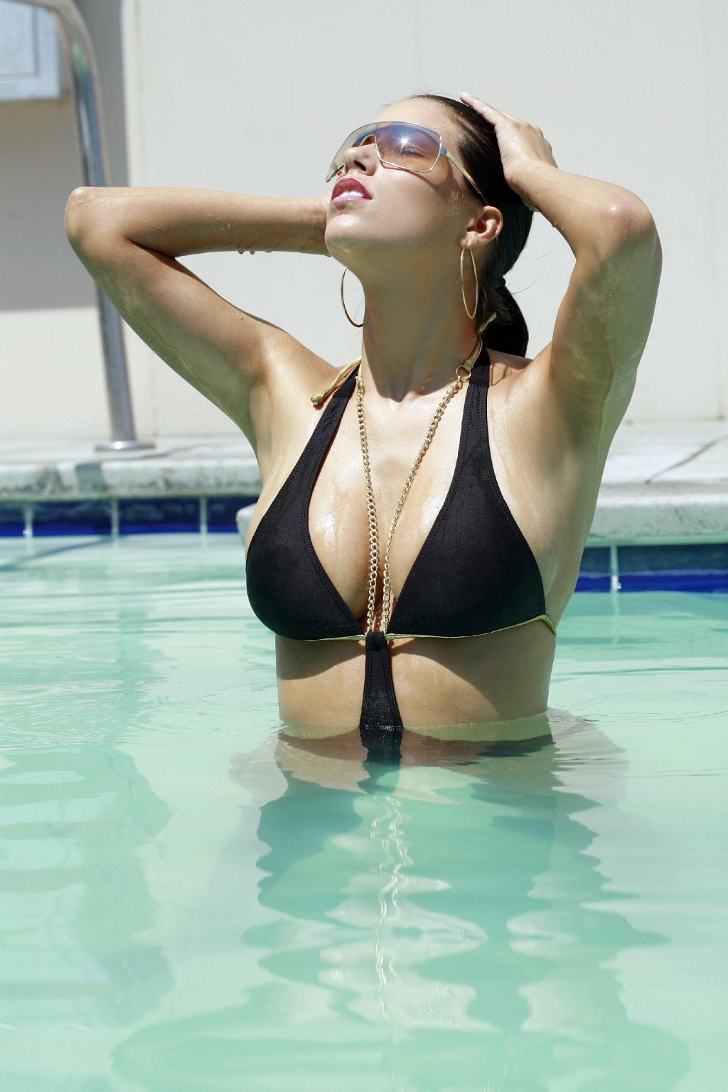 Janine Habeck sexy model gallery