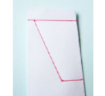 Corte 3 Tiras De 3 X 80 Mm De Cartolina Verde Para Fazer Os Caules