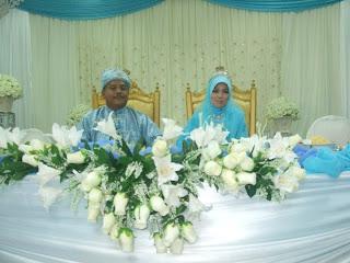 Selamat pengantin baru buat Pak Teh n Mak Teh...
