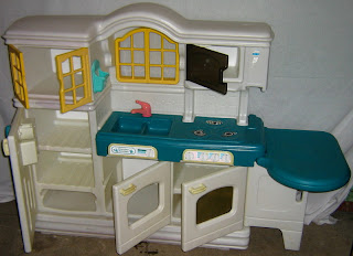 Mybundletoys little tikes country kitchen preloved for Playskool kitchen set