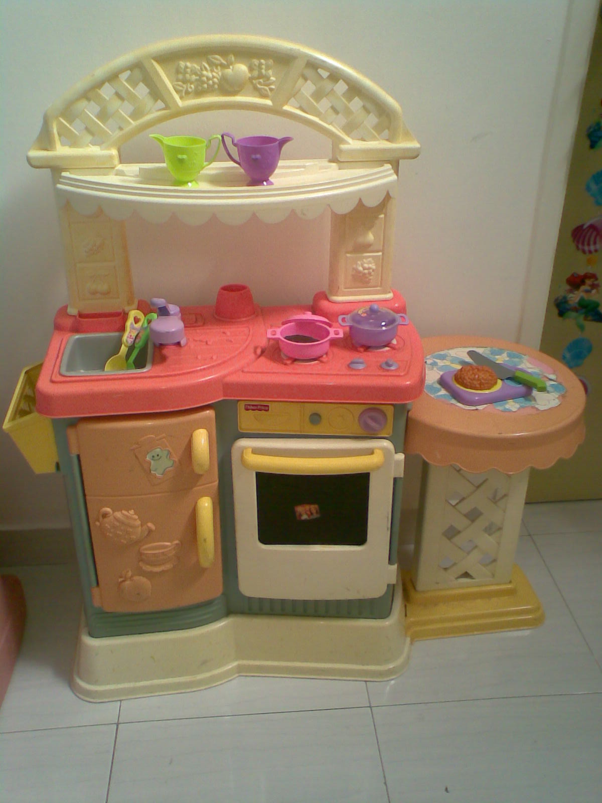 Mybundletoys fisher price pink kitchen for Playskool kitchen set
