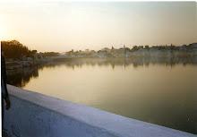 Brumas  matutinas en Pushkar