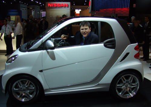 http://4.bp.blogspot.com/_48Vd6lJ7QwE/S7nL6_mRd6I/AAAAAAAAAAU/oufy7J-5Bs0/s400/Smallest+Car.jpg