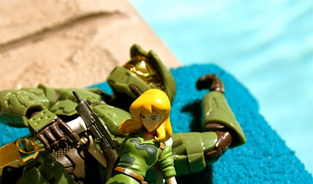 alt=HALO, Master Chief Off Duty, pool, hot babe