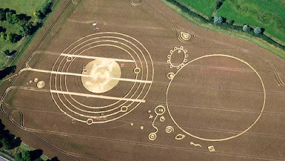 Abraxas' Thuban Q&A - Page 3 Crop+Circle+Avebury+Manor%282%29,+nr+Avebury,+Wiltshire.+Reported+22nd+July+2008