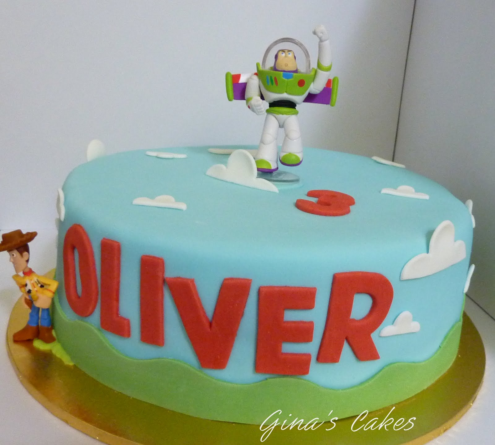 Toy Story Cakes For Boys : Top that toy story birthday cake buzz and woody