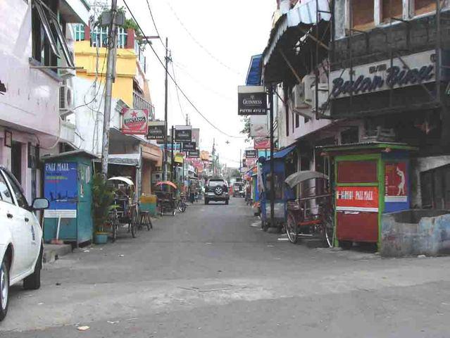 Gang Dolly merupakan lokalisasi atau tempat pelacuran terbesar di Asia ...