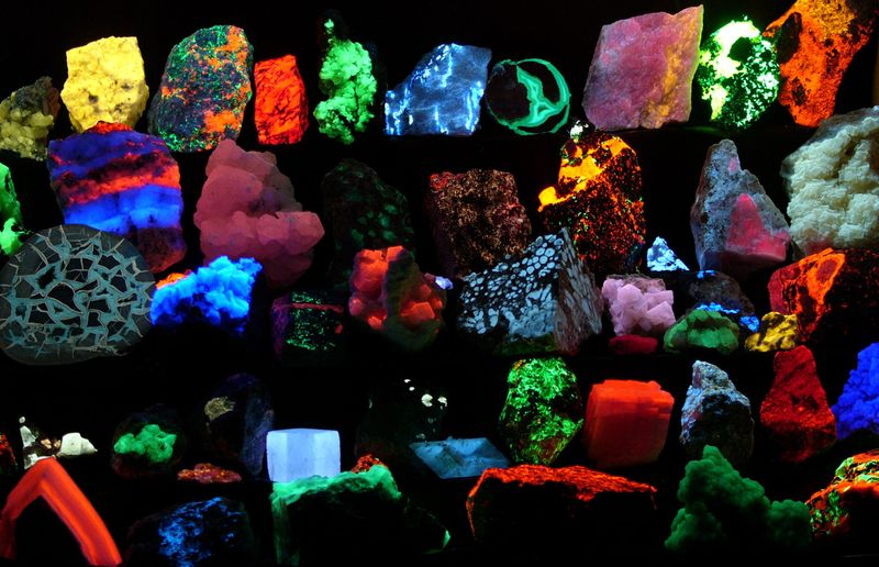 Bolta Karachi: Mineral export can bring prosperity in Pakistan .(