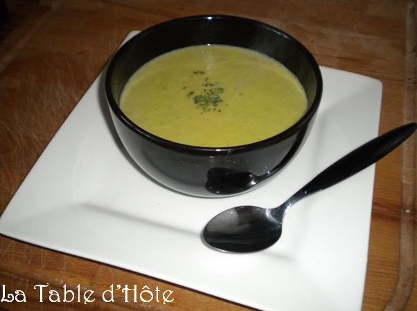 La table dh te cr me de poireaux au curry - Table de visite pomme de terre ...
