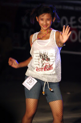 Welcome - Chinese Riau Girl in Visit Riau 2009