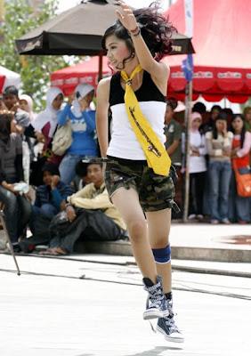 Sexy Dancer - Real Riau Girl?