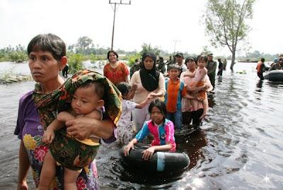 Warga Bulucina Dalam Banjir