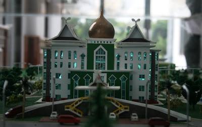 The Miniature Office of UIN Suska Head II