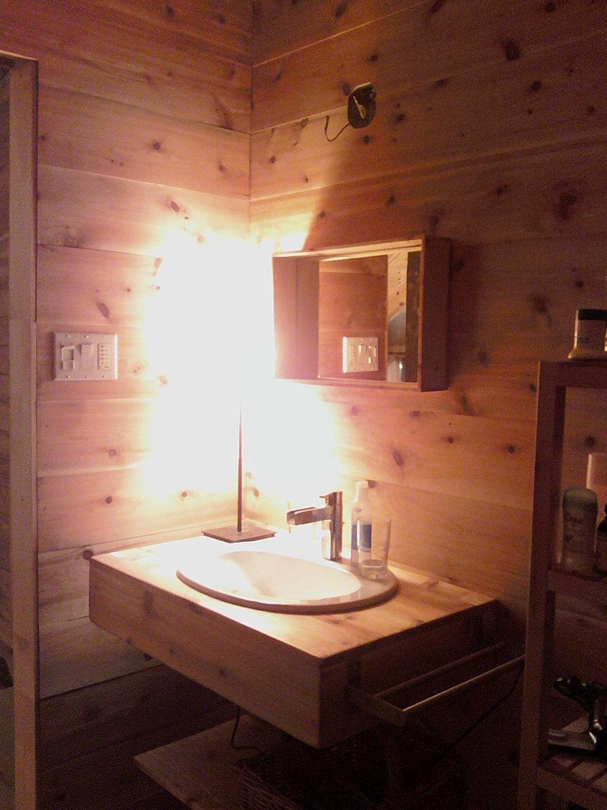 Une belle cabane de bois de paille et d 39 argile - Fabriquer rallonge electrique ...