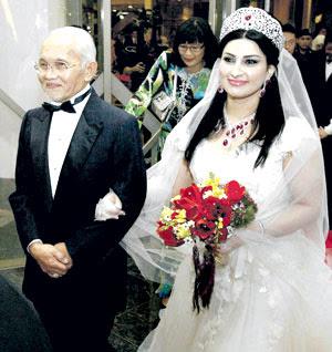 Kenapa gambar Najib sedih di Majlis perkahwinan Taib-Ragad???