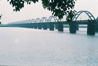 Asia's largest rail-cum-road bridge in Rajahmundry