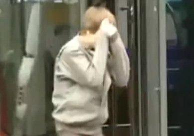 Justin bieber hurt walking into a glass door planetlyrics Choice Image