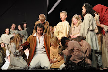 Jesus Praying with the children