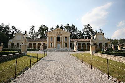 Villa Barbaro    Andrea Palladio