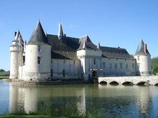 Chateau_du_Plessis-Bourre