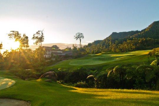 http://4.bp.blogspot.com/_4MTGMAHzMIs/SV9DI86v1UI/AAAAAAAAAEQ/hm9KK4fvJYE/S760/Borneo+Highland+Resort+1.jpg