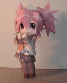 anime-girl-papercraft