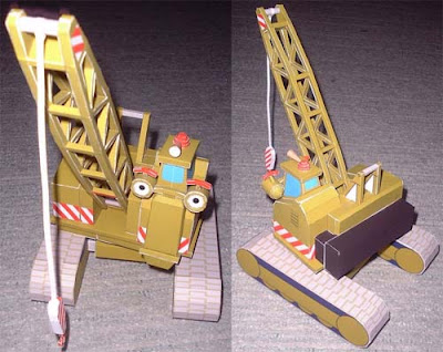 Carl the Crane Robot Papercraft