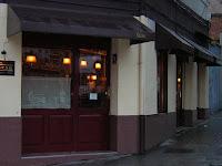 La puerta del Tirsa Cocktail Bar, foto de Xavi Masip