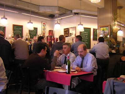 Interior del restaurante Granja Elena