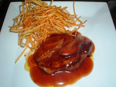 Solomillo al foie gras del restaurante La Perla de L'Hospitalet de Llobregat