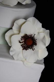 wedding cake anemones gumpaste