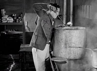 Buster Keaton The Navigator Eggs