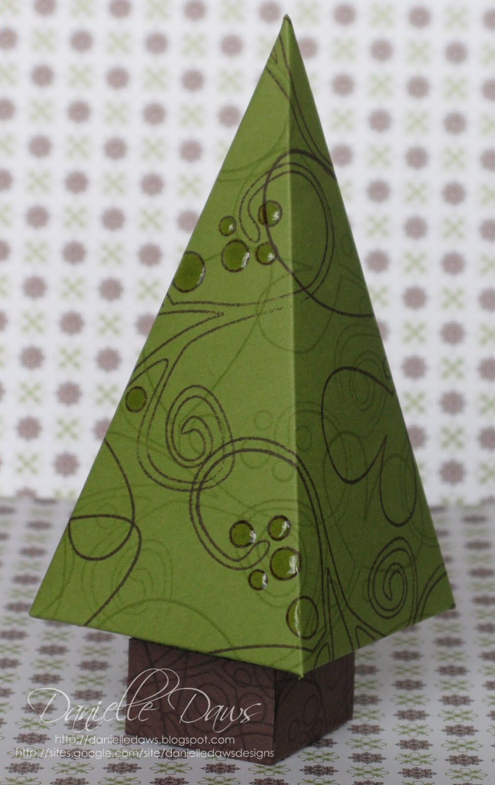 danielle daws christmas tree box tutorial