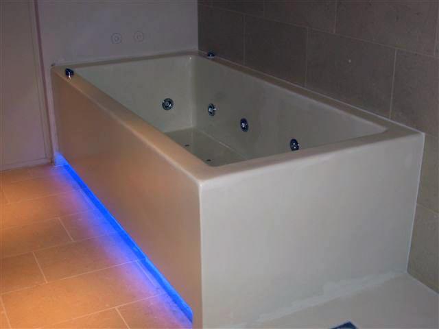 Vasca Da Bagno In Muratura : La camera da letto con vasca da bagno in muratura il bagno privato