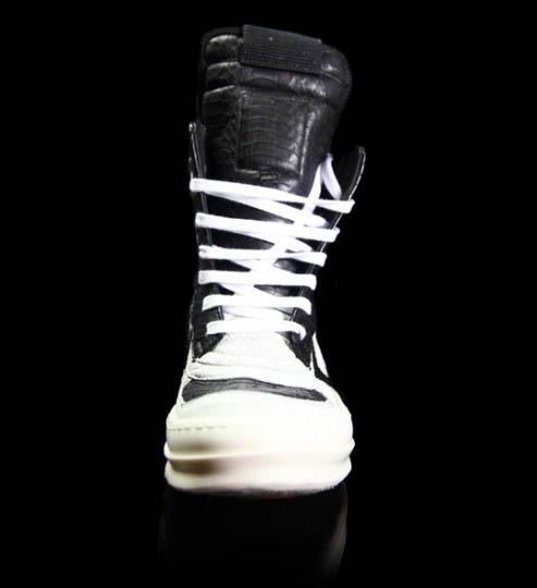 http://4.bp.blogspot.com/_4Rlflkydjb8/TNtqPmFAbmI/AAAAAAAABAA/aI6Lz2qTZKg/s640/rickowens-sneakers-front.jpg