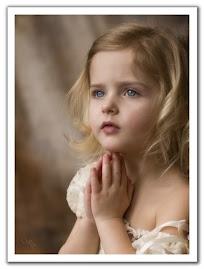 Lasa-ti copiii sa vina la Mine si nu-i opriti caci a unora ca acestia este imparatia lui Dumnezeu!
