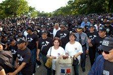 """Cientos marcharon por """"Tolerancia cero hacia la violencia contra las mujeres"""""""