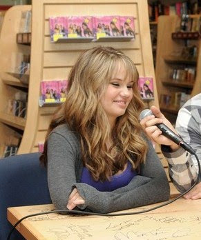 Teencelebbuzz debby ryan borders beautiful debby ryan was spotted signing 16 wishes merchandise with co star jean luc bilodeau at a meet and greet at the borders store in century city ca m4hsunfo