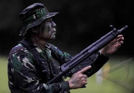 Brevet Kehormatan Taipur Kostrad Untuk Pangdam III/Siliwangi Mayjen TNI Pramono Edhie Wibowo