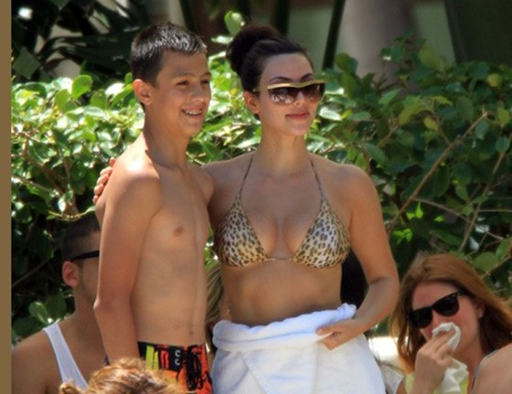 justin bieber and selena gomez kissing on the lips at the beach. champion album middot; justin bieber
