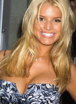 Jessica Simpson ready to strip naked