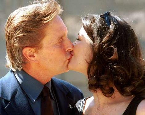Michael Douglas kisses Catherine Zeta Jones