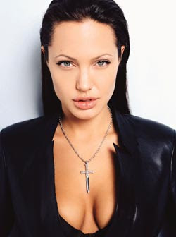 Angelina Jolie wants to be the first female 007!