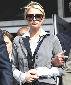 Paris Hilton leaves the Los Angeles Municipal Court