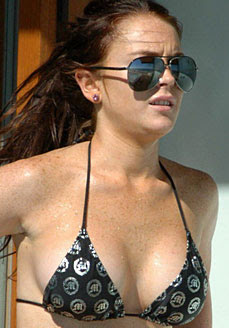 Nude Lindsay Lohan Shocks Patients & Staff