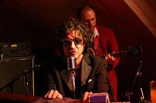 Letra de Raros peinados nuevos de Charly Garcia MUSICA  - Raros Peinados Nuevos Letra