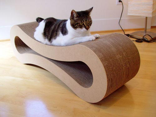 F c lover furniture that 39 s bad for self esteem - Sofas para gatos ...